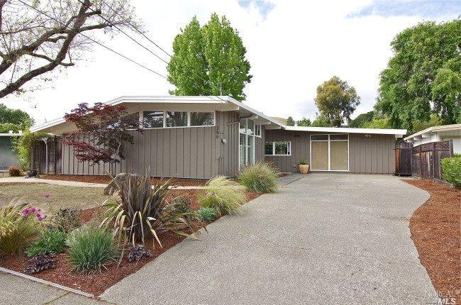 386 Holly Dr, San Rafael